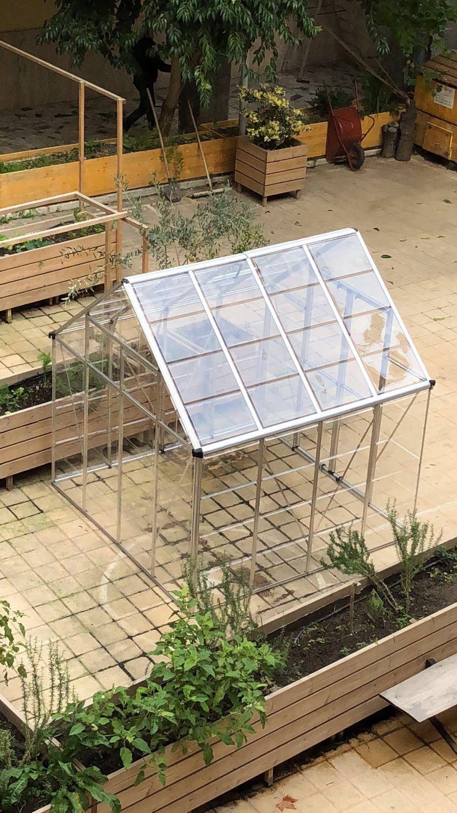 La serra-semenzaio donata dal Premio GreenCare