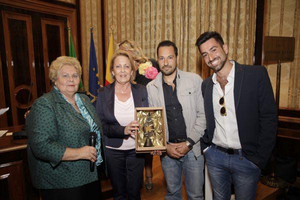 La presidente del FAI Campania Maria Rosaria de Divitiis e il direttore didattico Silvana Renzulli